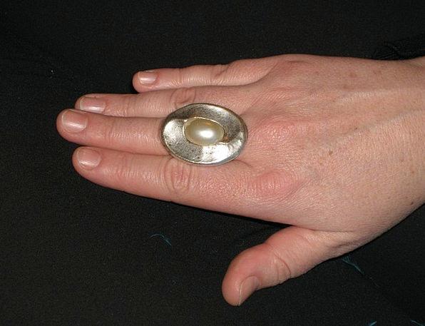 Ring Circle Hand Pointer Finger Ring Pearl Gem Sil
