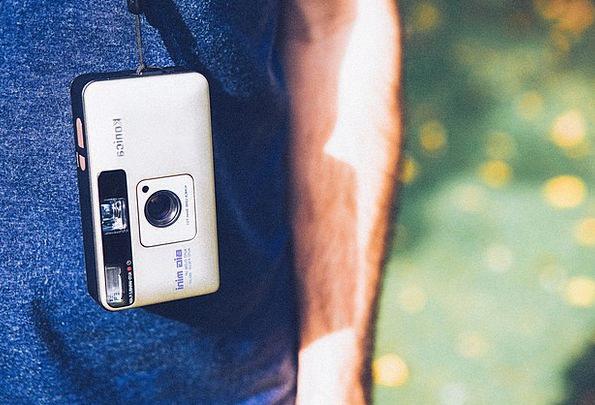 Compact Camera Vacation Paparazzo Travel Photograp
