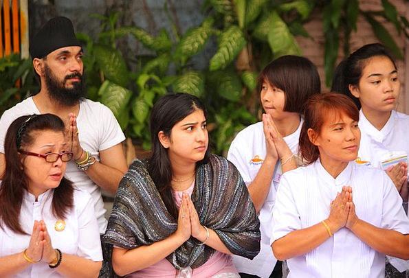 Buddhists Requesting Tradition Custom Praying Wat
