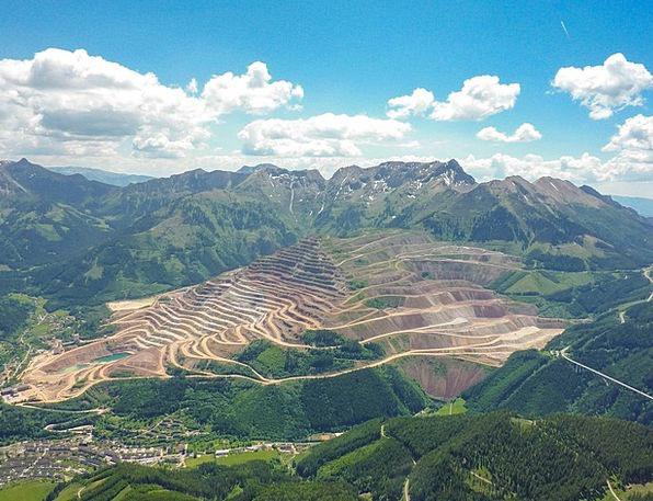 Ore Mountain Landscapes Nature Mountain Crag Iron