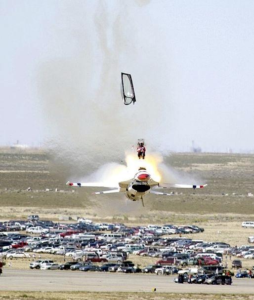 Aircraft Airplane Bang Crash Landing Crash Rescue