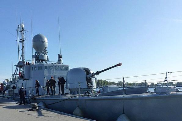 Speedboat S79 Gun Firearm Weasel Navigation Radar
