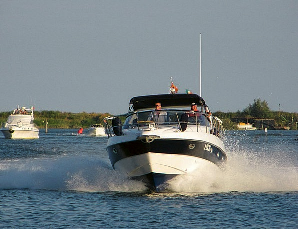 Powerboat Ship Speedboat Boat Motorboat