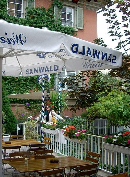 Beer Garden Eatery Parasol Sunshade Restaurant Din