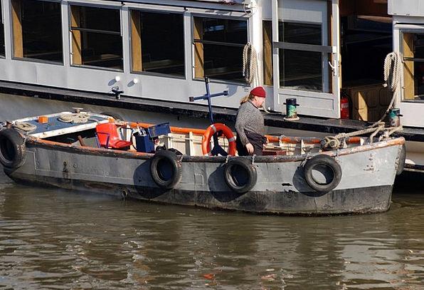 Skiff River Stream Boatman Thames London