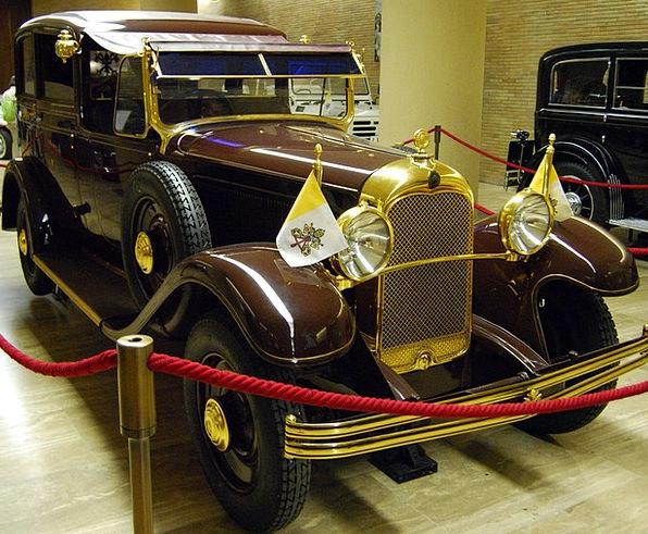 Popemobile Car Pope Pontiff Auto Vatican Ancient O