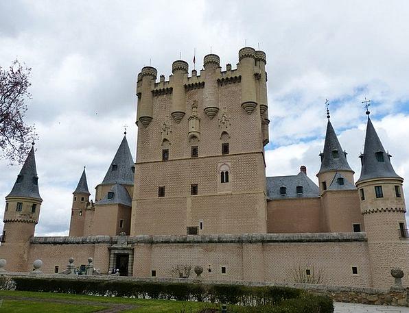 Alcazar Buildings Stronghold Architecture Segovia