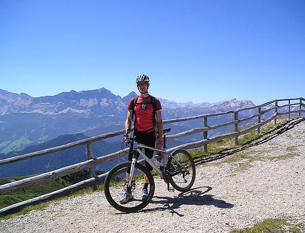 Cyclists Mtb Mountain Bikers Mountains Mountain Bi