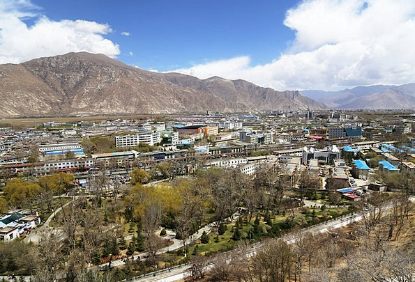 Lhasa The Potala Palace Tibet Blue Sky The Majesti