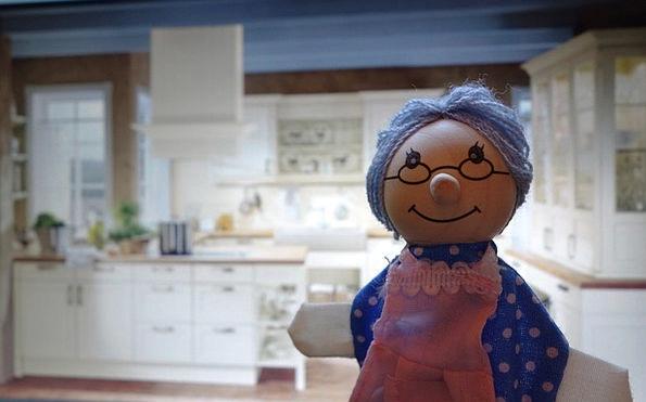 Doll Toy Grandmother Kitchen Kitchenette Grandma Ö