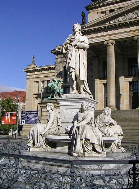 Schauspielhaus Gendarmenmarkt Monument To Schiller