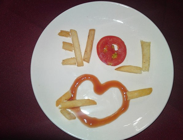Love Darling Chips Heart Emotion Fries Plate Ketch