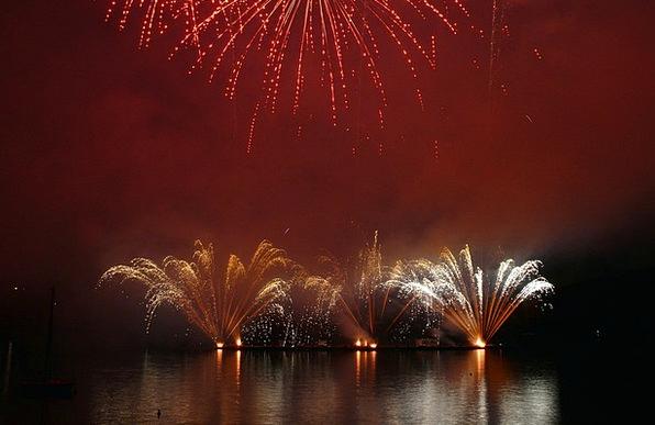 Fireworks Rockets Festivity Explosion Bang Celebra