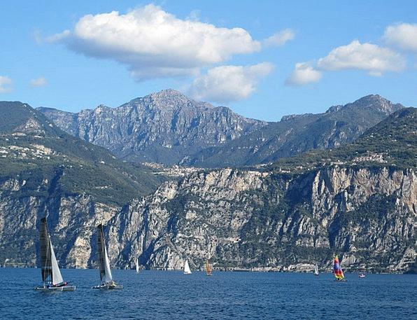 Lake Garda Freshwater On The Lake Lake Vela Catama
