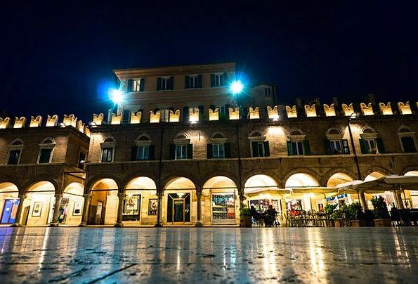 Ascoli Piceno Bazaar Night Photograph Marketplace