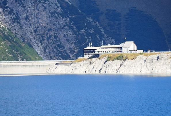 Reservoir Tank Buildings Barrier Architecture Lüne