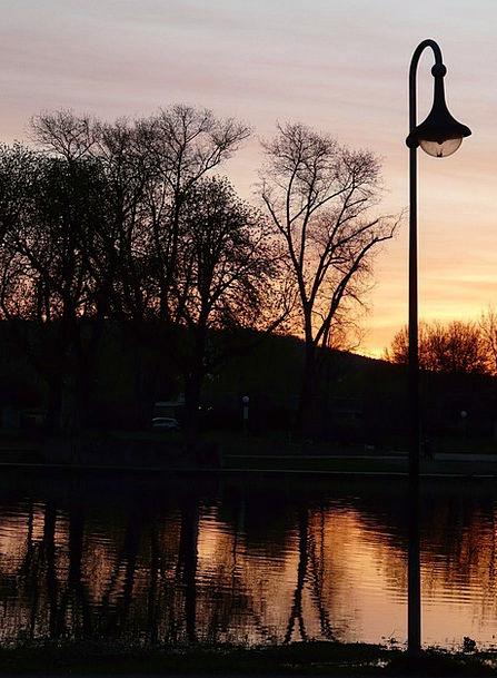 Lantern Lamp Vacation Travel River Stream Abendsti
