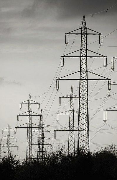 Current Present High Voltage Strommast Sky Pylon T
