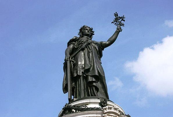 Statue Figurine Paris Reúplica