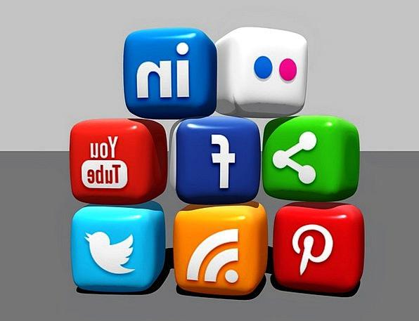 Social Media Chunks Blogger Blocks Linkedin Facebo