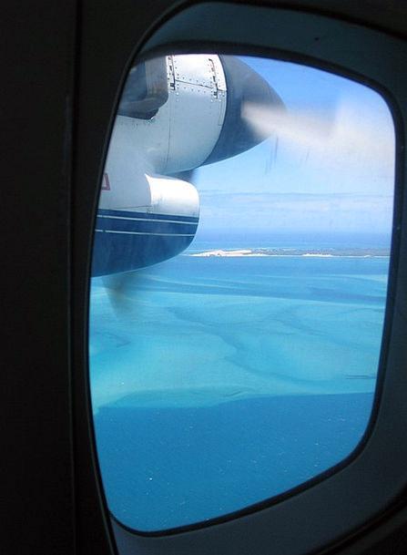 Flying Hovering Island Isle Bazaruto Porthole Aper
