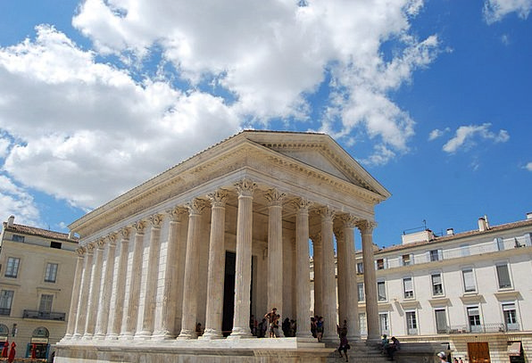 Nimes Temple Shrine France Greek Construction Styl