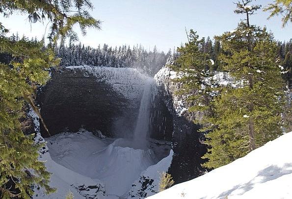 Helmcken Falls Provincial Park Wells Gray Snow Lan