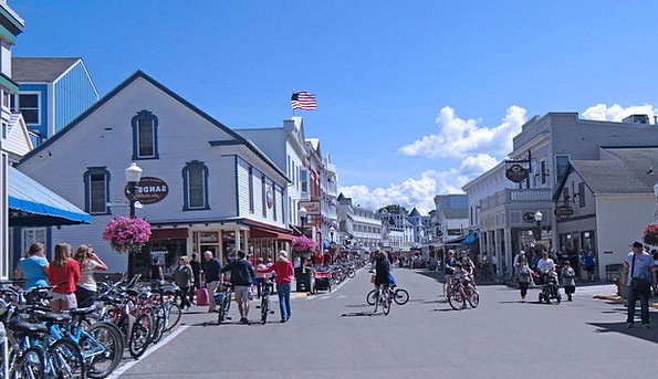 Mackinac Island Traffic Road Transportation Visito