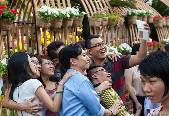Selfie Public Asian People Vietnamese Flowers Plan