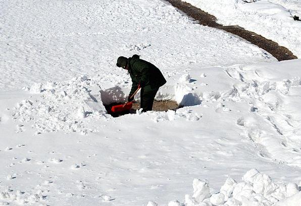 Shoveling Scooping Gentleman Snow Snowflake Man Fr