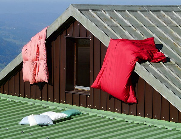 Hut Shed Air Midair Mountain Hut Sun Bed Linen Bed