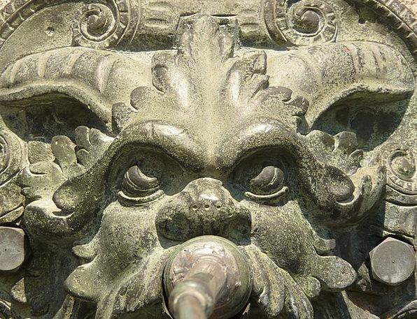 Gargoyle Ornament Figurine Fountain Cascade Bronze