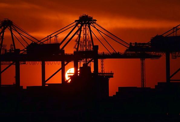 Industry Manufacturing Craft Sundown Industry Port