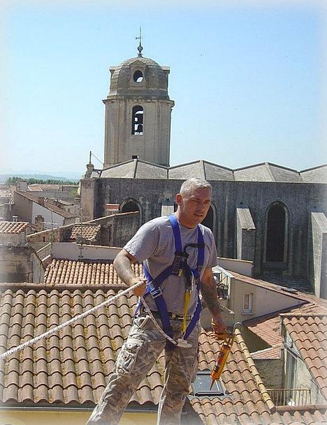 Roof Repair Slates Arles Tiles France Man Work Gen