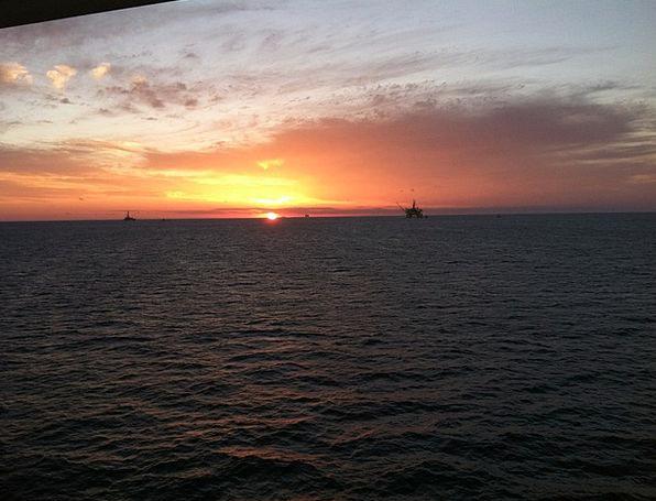 Oil Platform Vacation Sundown Travel Vacation Holi