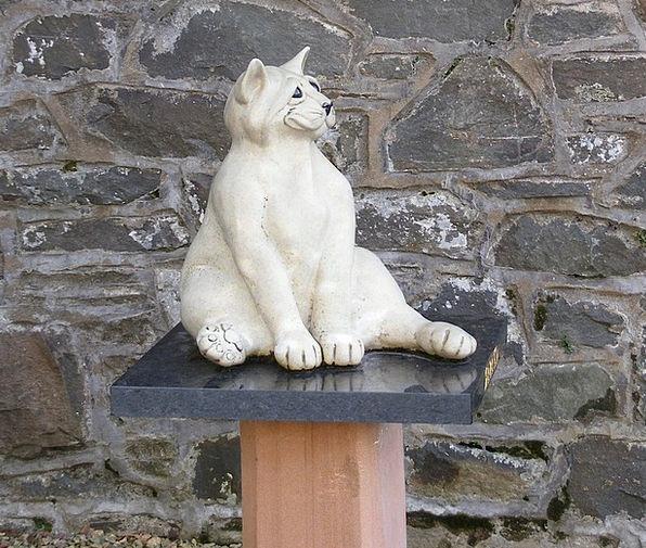 Cat Feline Figurine Stone Pebble Statue Wall Parti