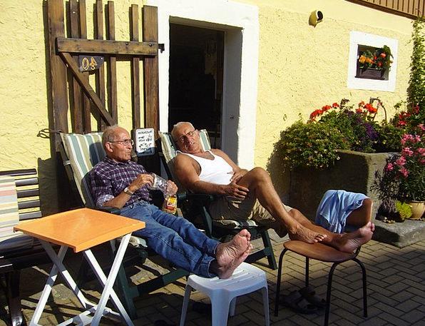 Rest Break Pensioners Retirees Seniors Men Menfolk