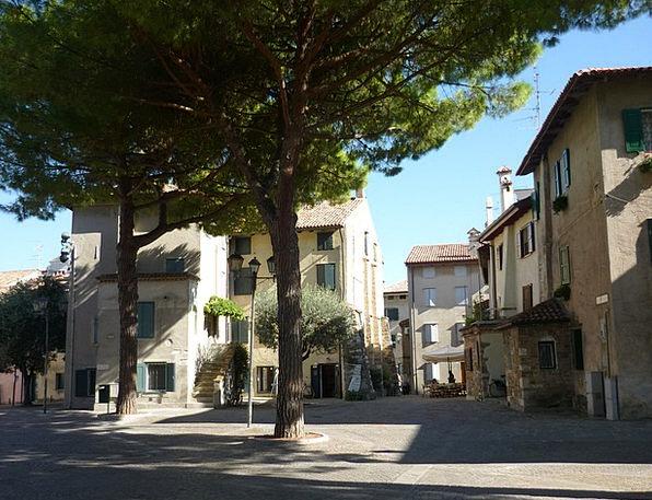 Mediteran Buildings Urban Architecture Pine Tree T