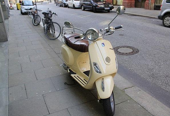 Roller Breaker Moped Sulked Motor Scooter Retro Pe