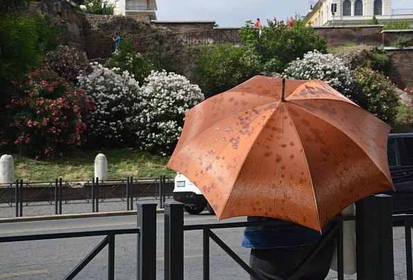 Rain Volley Canopy Italy Umbrella Rome Summer Stra