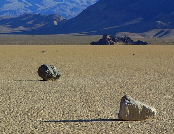 Wandering Rocks Gravels Death Valley Stones Hot Wi