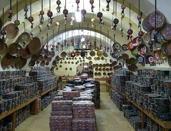 Pottery Ceramic Sweatshop Sale Auction Factory Sho