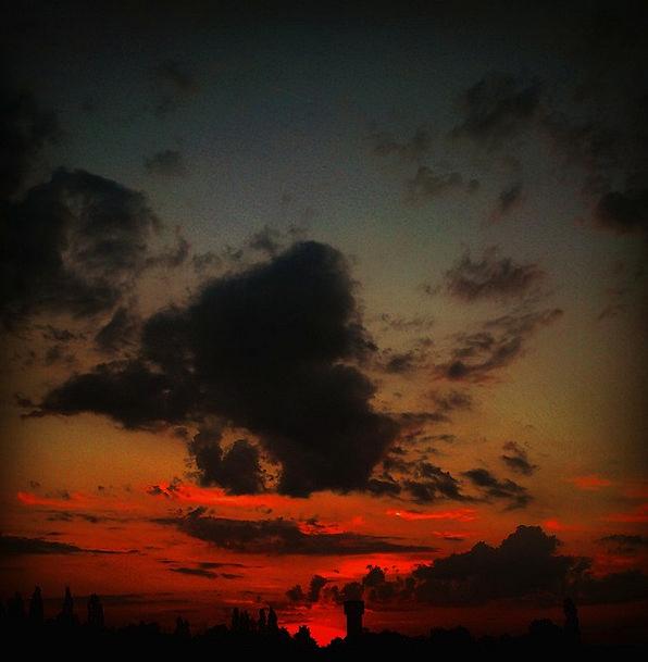 Silence Stillness Vacation Nightly Travel Clouds V