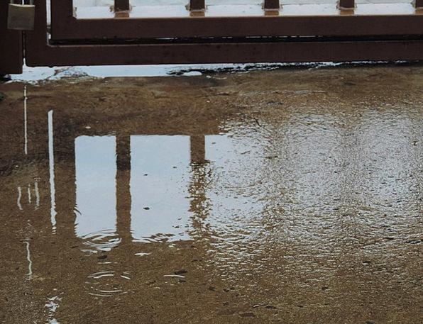 Rain Volley Entrance Sidewalk Path Gate Reflection