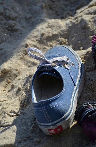 Shoe Shingle Sneakers Running shoe Sand