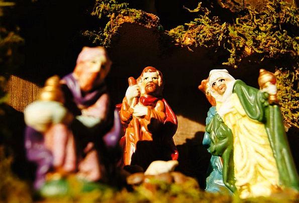 Christmas Cheat Advent Arrival Crib Figures Angel