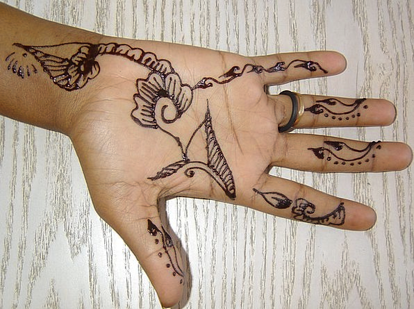 Hand Wife Signal Henna Color Tattoo Djibouti Afric