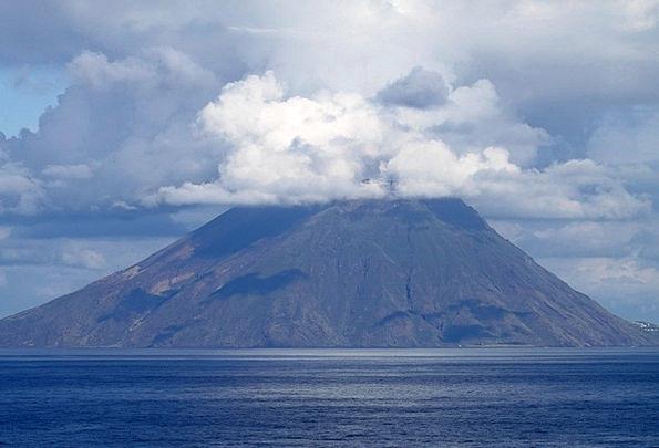 Large Big Landscapes Nature Volcano Stromboli Crat