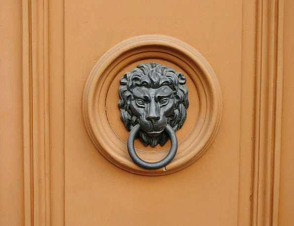 Doorknocker Door Entrance Call Waiting Lion Bronze