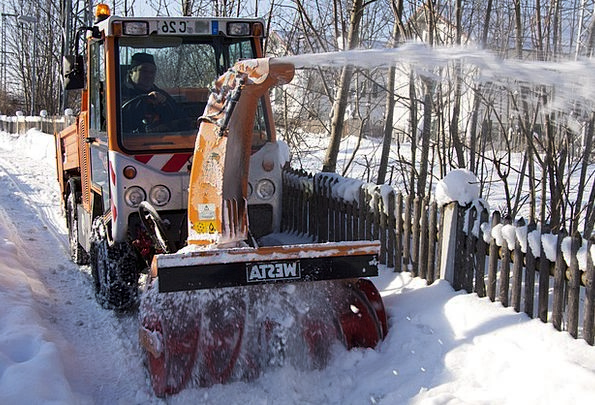 Snow Thrower Winter Season Clearing Snow Rooms Win